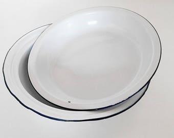 Set of 2 large bowls in white and blue enamel. Vintage France 1950