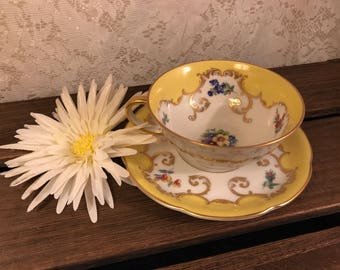 Rare Vintage Royal Bayreuth China Tea Cup And Saucer Set - Rosalind Yellow - Germany US Zone - 1940's