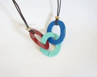 String horn and lacquer necklace - Collier à cordes et laques