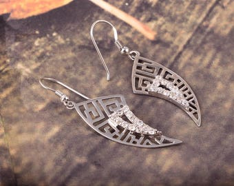 Very Gorgeous Look With Beautiful CZ Gemstone 92.5 Sterling Silver Earrings Leaf Style 4.41 Gms.. Length 5.20 CM. Code MGJ 11