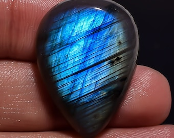 Natural Labradorite Gemstone Cabochan Pear Shape With BEautiful Blue Colour 36.1 Cts. Size 23 X 20 X 8 Code DN 16