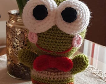 Cute high quality hand knitted frog toy