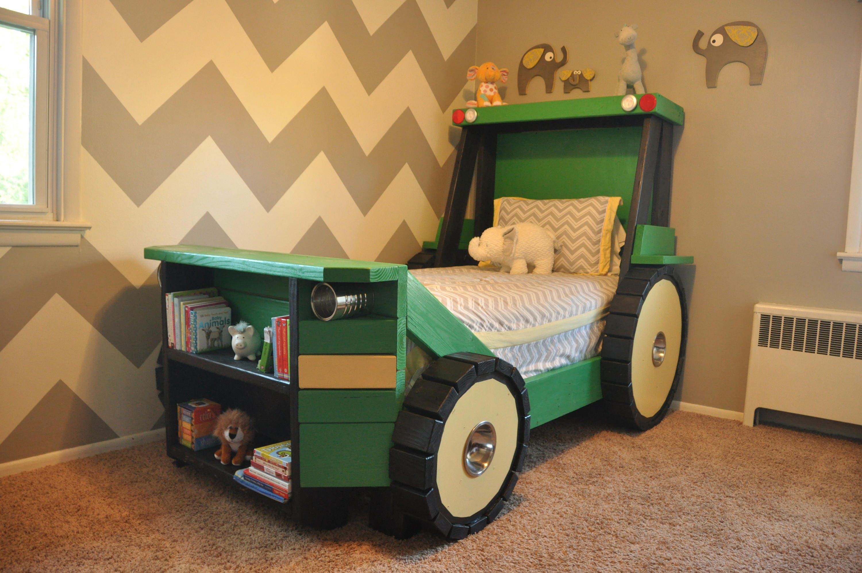Tractor Bed Design : Tractor bed plans in digital format for a diy farm themed