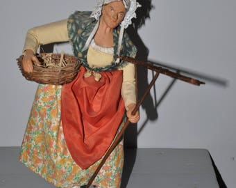 veritable santon S.campana: the peasant woman