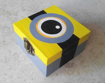Box eye minions inspired by the world of Minions