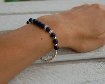 Bracelet of lapis lazuli beads, rock crystal and silvered or golden beads