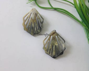 Stylish Buffalo HORN Earrings Black. Horn Jewelry. Horn Accessories. Dangling item = 1.38 inches [TTC050]