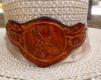 "Bracelet ""Dragon"" . Bracelet made of genuine leather."