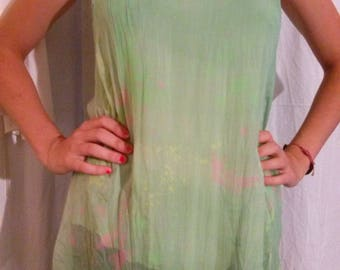 Thin straps in lime green silk tunic