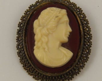 Vintage Cameo Pin or Necklace, Antique