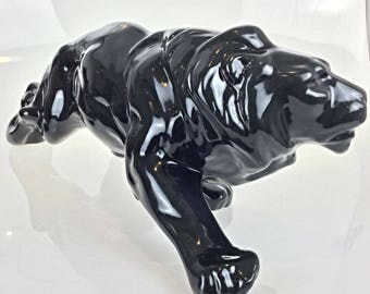 Ceramic animal statue 1930 Art Deco - Lion on the lookout - State perfect-47 cm