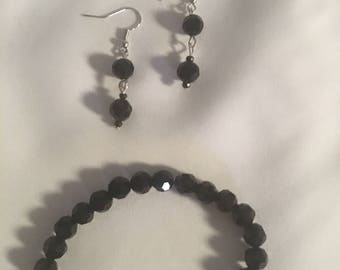 Black stretch bracelet and dangle earrings