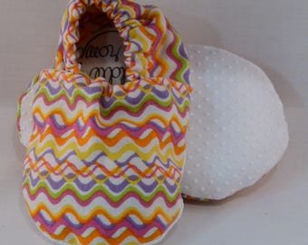 "4.5"" Soft-Soled Baby Shoes - Pastel Rainbow Squiggles - Adjustable Ankles - Non-Slip Soles"
