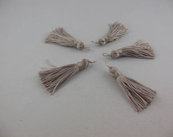 Wire color cloud rayon tassel