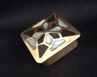 Beautiful brass Art Deco pill box, with Onyx and mother of Pearl.