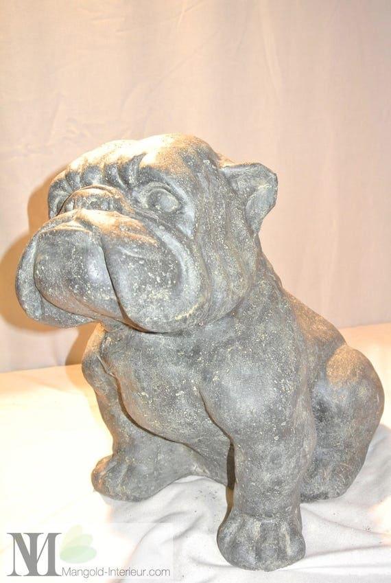 sculpture sur pierre de lave pour animaux jardin animaux chien. Black Bedroom Furniture Sets. Home Design Ideas
