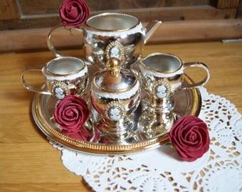 Silver and gold coffee mini-service