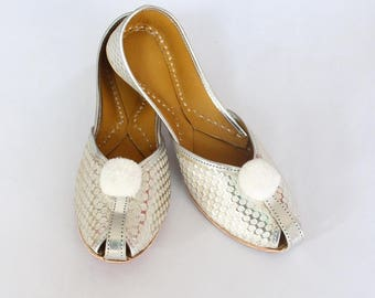 Women Bridal Wedding Shoes/Indian Silver Jutti Shoes/Silver Wedding Flats/Silver Laddu Ballet Flats/Jasmine Shoes/Khussa Shoes