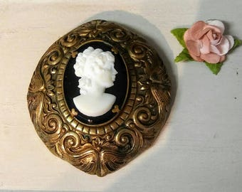 Gold with White Cameo Vintage Brooch