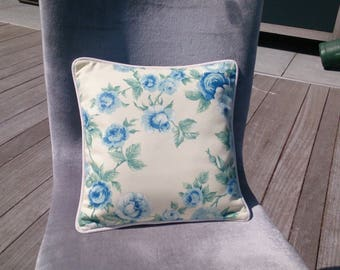 Scatter cushions No.. 1, 31 x 31 cm, 100% cotton canvas. Shades of blue and green. Strip. Flower pattern, pattern mix