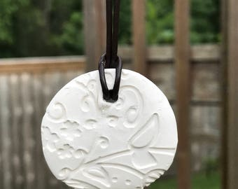 Clay Essemtial Oil Diffuser Necklace
