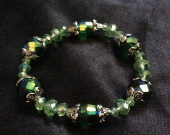 Green Czech glass beaded stretchy bracelet