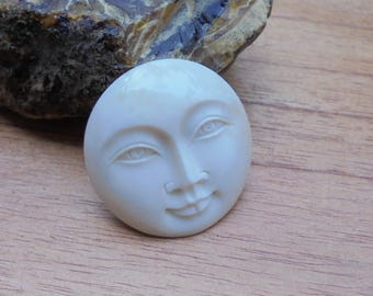 35 mm Moon Face Pendant, Single Face Bead, Bali Bone Carving Jewelry P97