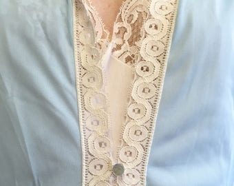 "60s - blue peignoir robe -  ""Movie Star"" - with lace detail and pockets"