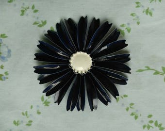 1960s navy blue and white enamel flower brooch