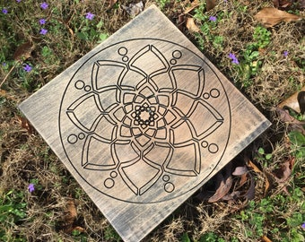 Wooden crystal charging grid