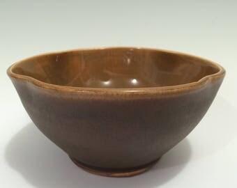 Big Brown Eyes Scalloped Bowl