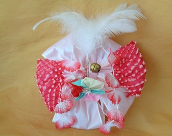 VJ133 : Japanese Girls kimono traditional Kanzashi hair ornament with flowers and feathers,hakama hairstyle ,made in japan