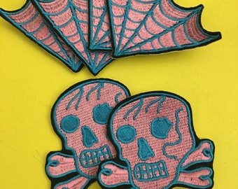 Skull and two cobwebs Patch