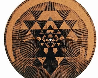 Turntable Slipmat - Specially designed Cork.Geometrical skull