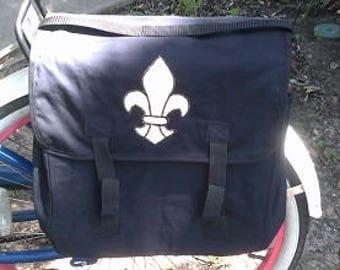 pannier bag with applique