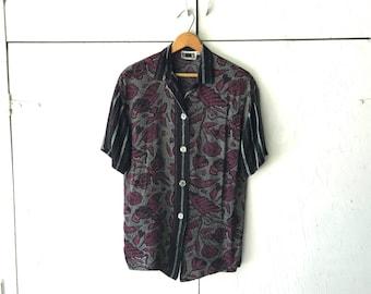 1990's JM By Shelli Segal Women's Print Blouse   Vintage Short Sleeve Shirt   90s Button Down Top