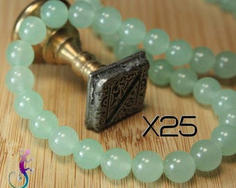 25 beads 8mm Green Jade