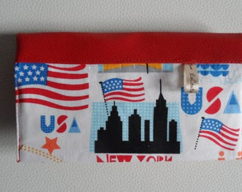 """Checkbook holder with 2 compartments cards in red leatherette and fabric """"New York"""""""