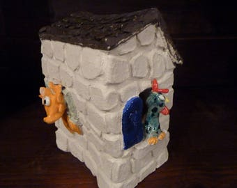 Funny chicken coop ceramic