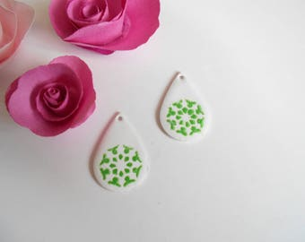 lot 2 drops enameled white pattern green 26 mm