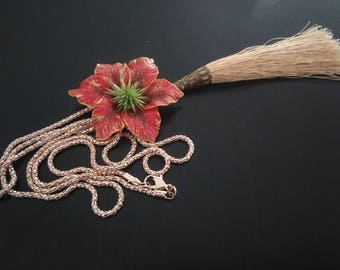 Rose gold necklace: flower and tassel