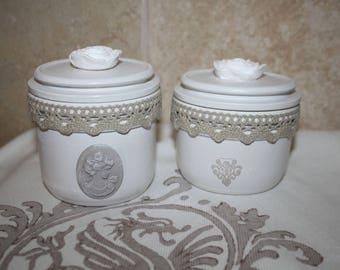 Duo of jars reinvented in decorative jars