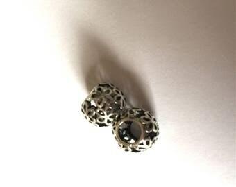 Engraved metal beads
