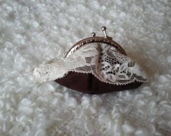 retro lace wallet