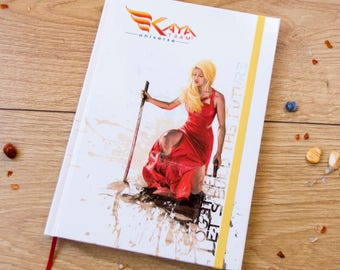 Notebook // Carnet de notes // Format A5 // Stationery // Heroic woman // Kaya Team Universe // Together, let's build the future!