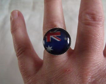 CLEARANCE ring Flag glass cabochon 18mm