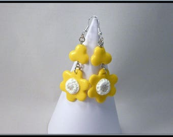 Yellow flower polymer clay earrings.