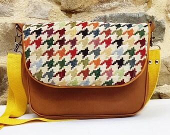 The little Vintage Camel bag