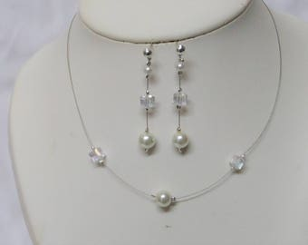 Set 2 pieces wedding necklace, and ivory pearls earrings