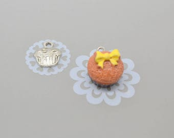 2 cupcake resin and silver